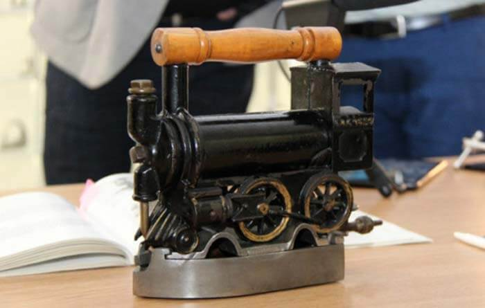 Самый дорогой чугунный утюг был продан на аукционе за 15 000 долларов США